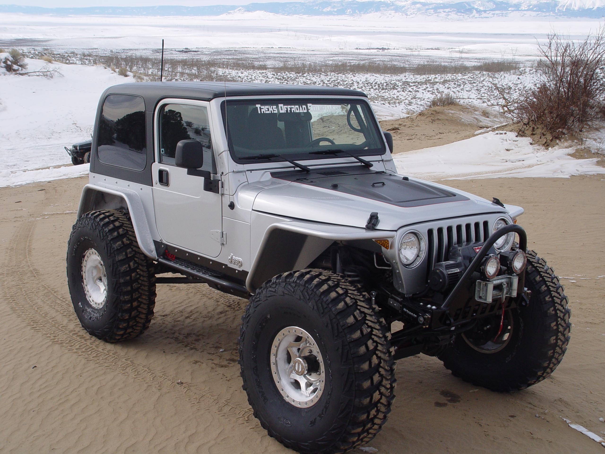 Jeep Tj Tube Fenders 45 Inch Flare High Clearance 97 06 Wrangler Jk With 37 Tires Tnt Front View
