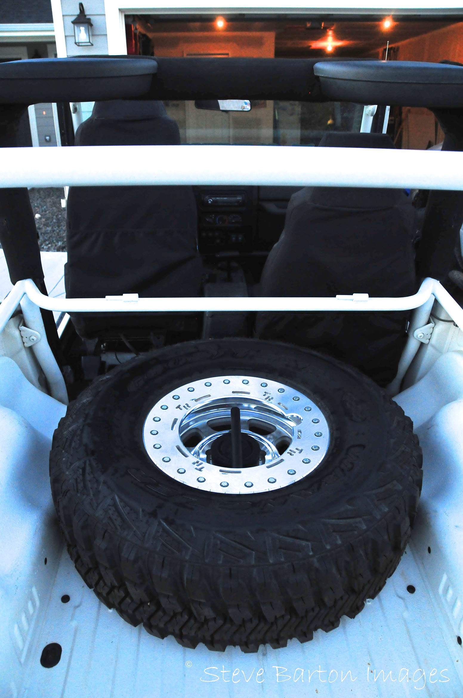 TJ/LJ Inner Tire Carrier