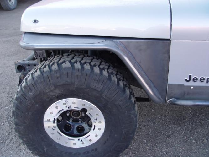 "TNT Jeep YJ Tube Fenders, 4.5"" Flare, 35"" Tire Stock Springs, side view"