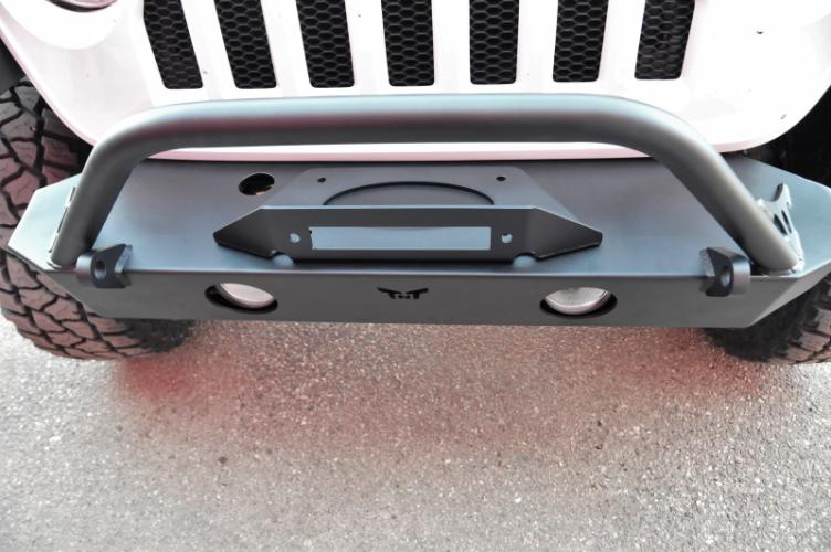 Jeep wrangler front bumper top view with fairlead mount